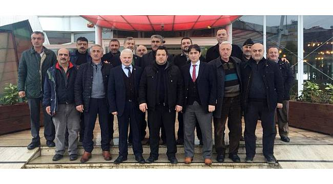 Rize Merkez Muhtarlar Derneği'nden Ziraat Odası Başkanı Paliç'e Tam Destek