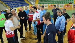 Vali Çeber ve Kurum Müdürleri, Günün Stresini Spor ile Atıyor