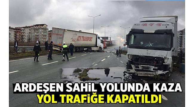 Ardeşen Sahil Yolunda Kaza !