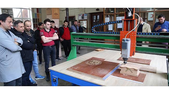 Rize'de Liseliler 25 Bin Liraya CNC Tezgahı Üretti