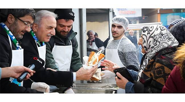 Ümraniye'nin Rizeli Başkan Adayı Hemşehrileriyle Hamsi Festivali'nde Buluştu