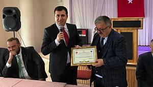 """Başkan Mete'den Kaymakam Altun'a """"Fahri Hemşehrilik Payesi ve Beratı"""""""