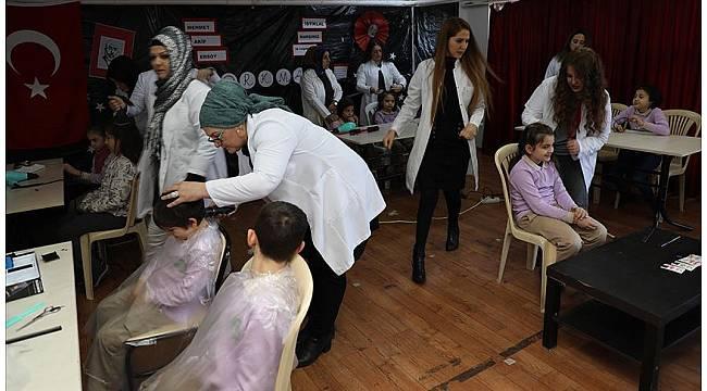 Gönüllü melekler öğrencilere 'güzellik' katıyor