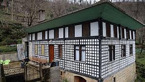 'Kültür varlığı' olarak tescilli evini onarınca ceza aldı