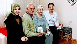 Rize'de Sağlıkçılar Yaşlılar Haftasını Unutmadı