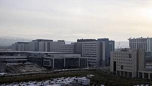 Şehir hastanelerinde akademisyenlerle