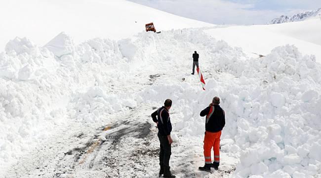 Ovit Dağında Kar Temizleme Çalışmaları