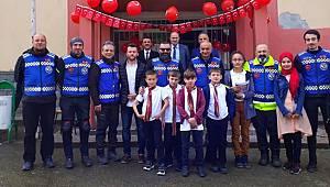 Rize Motosiklet Derneği'nden 23 Nisan Çocuklarına Sürpriz