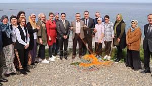 Vali Kemal Çeber Kadın Balıkçıları Ziyaret Etti