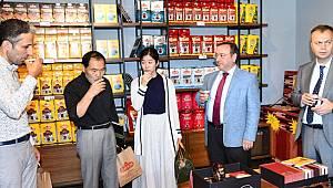 2000 Mağaza Sahibi Japon İş Adamı Shinozaki'den ÇAYKUR Mağazasına Övgü: Dünya'da Eşi Benzeri Yok