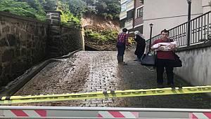 Rize'de Şiddetli Yağış Sitenin İstinat Duvarı Çöktü