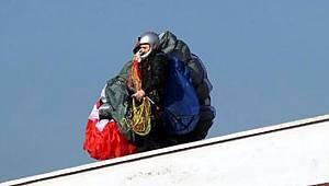 Eski Gençlik ve Spor İl Müdürü Yılmaz, Rize'de Yamaç Paraşütü Yaparken Düştü