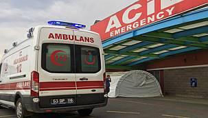 Rize'de Direksiyon Başında Kalp Krizi Geçiren Sürücü Hayatını Kaybetti