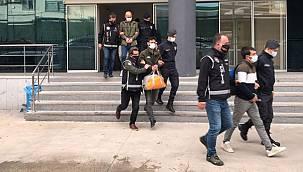Ruhsatsız Silah ve Mühimmat Ticareti Yapan 21 Kişi Gözaltına Alındı