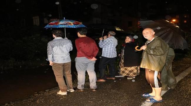Rize'de Şiddetli Yağış 5 İlçede Etkili Oldu